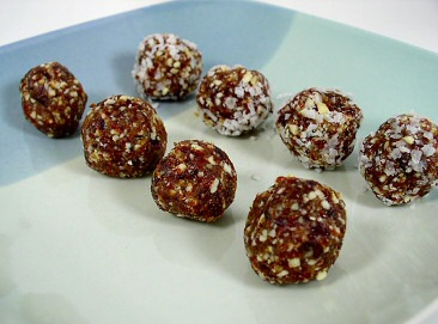 Date and Nut Ball