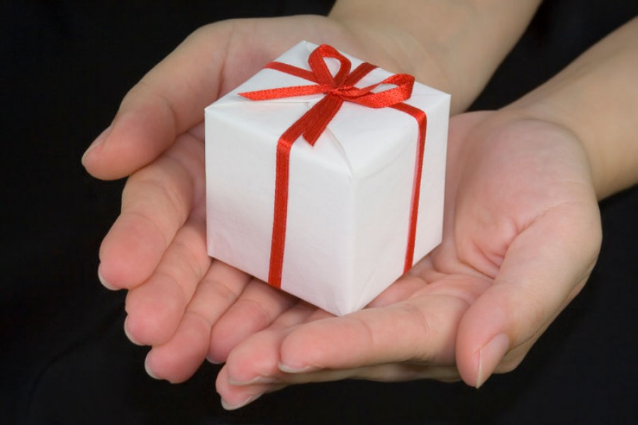 The Manners of Giving a Gift
