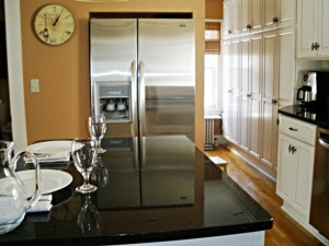 Ways to Decorate an Ugly Refrigerator