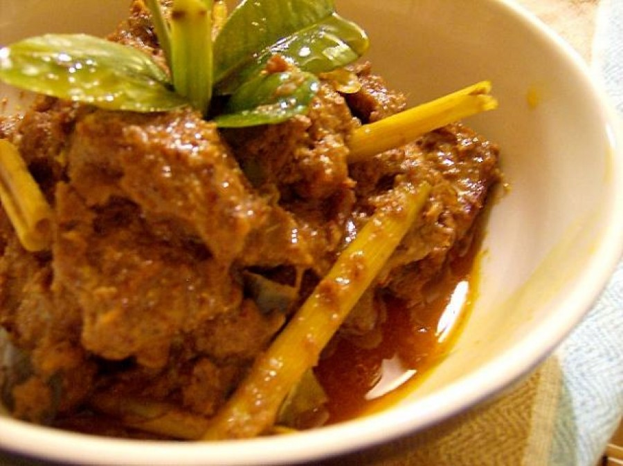 Spicey Beef in Coconut (Beef Rendang)