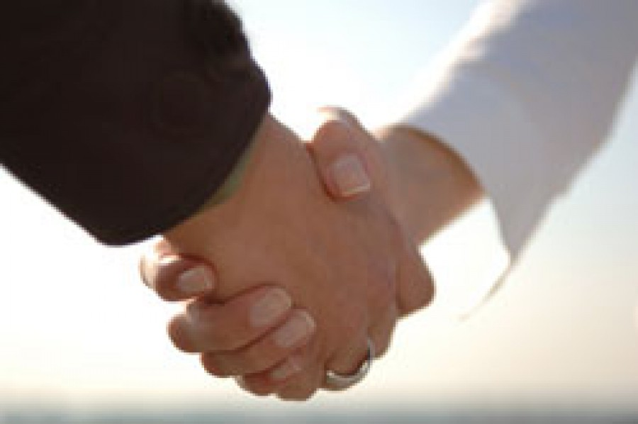 Shaking Hands with a Non-Mahram Woman