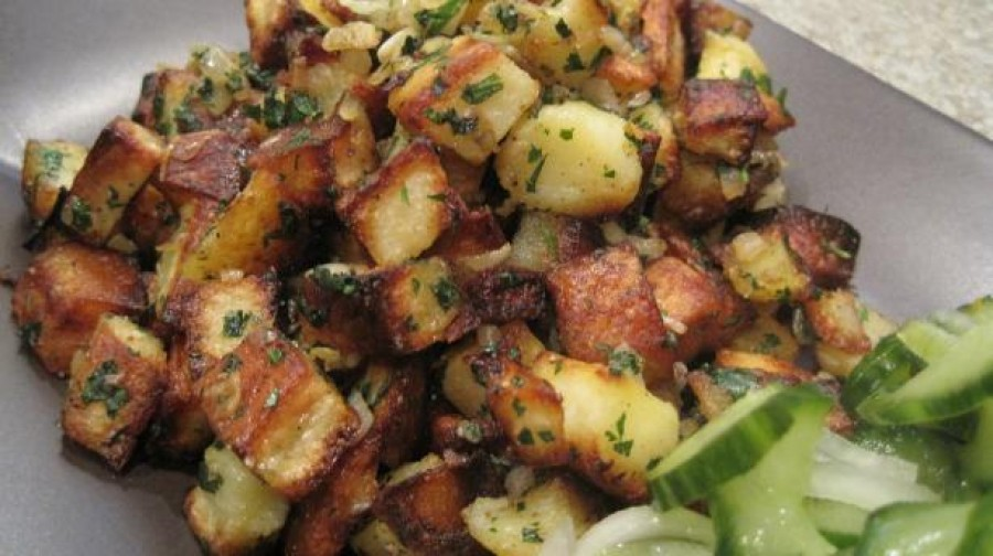 Lebanese Spiced Potatoes (Batata Harra)