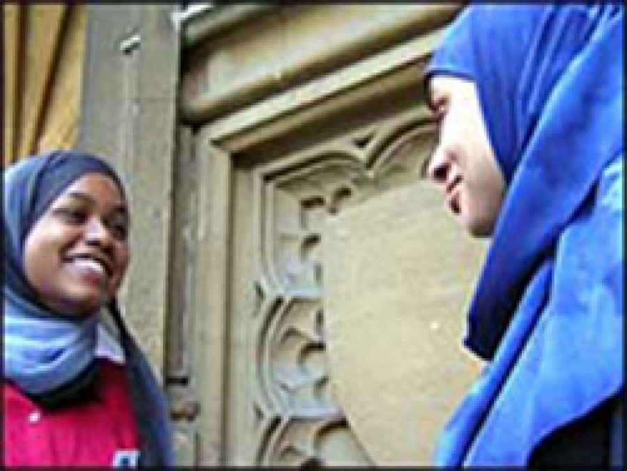 Women vow to protect Muslim hijab